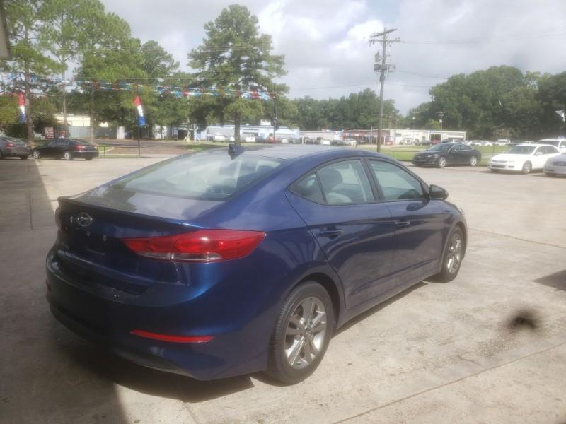 Hyundai Elantra 2018 price $11,895