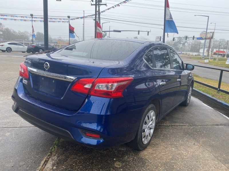 Nissan Sentra 2018 price $9,700