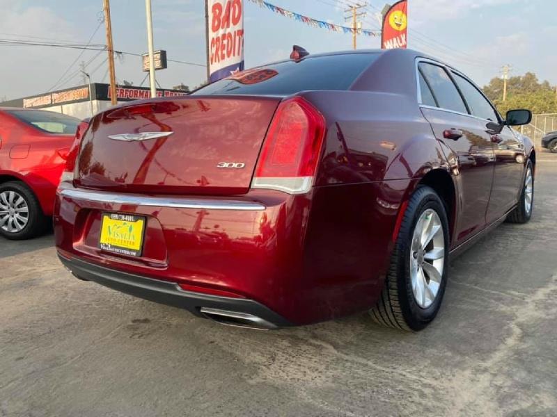 Chrysler 300 2016 price $14,999