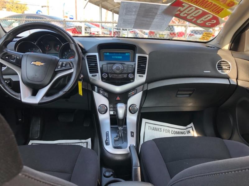 Chevrolet Cruze 2013 price $9,999