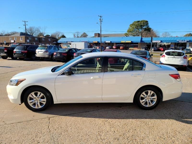 Honda Accord Sedan 2009 price $8,250