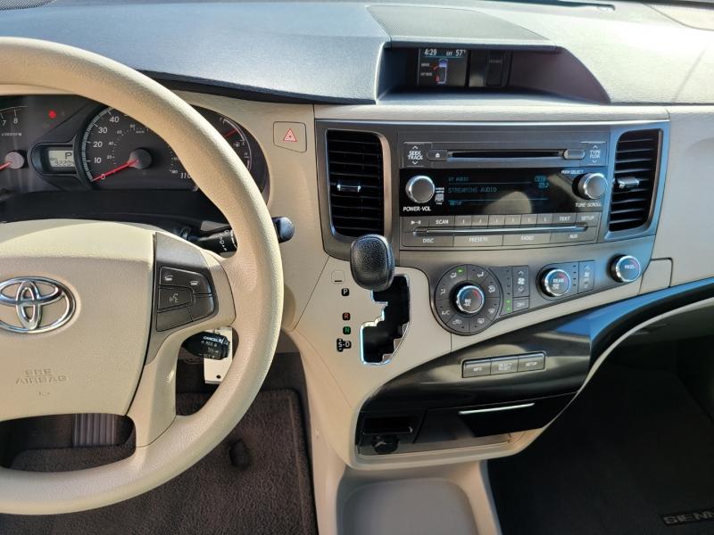 Toyota Sienna 2011 price $13,000