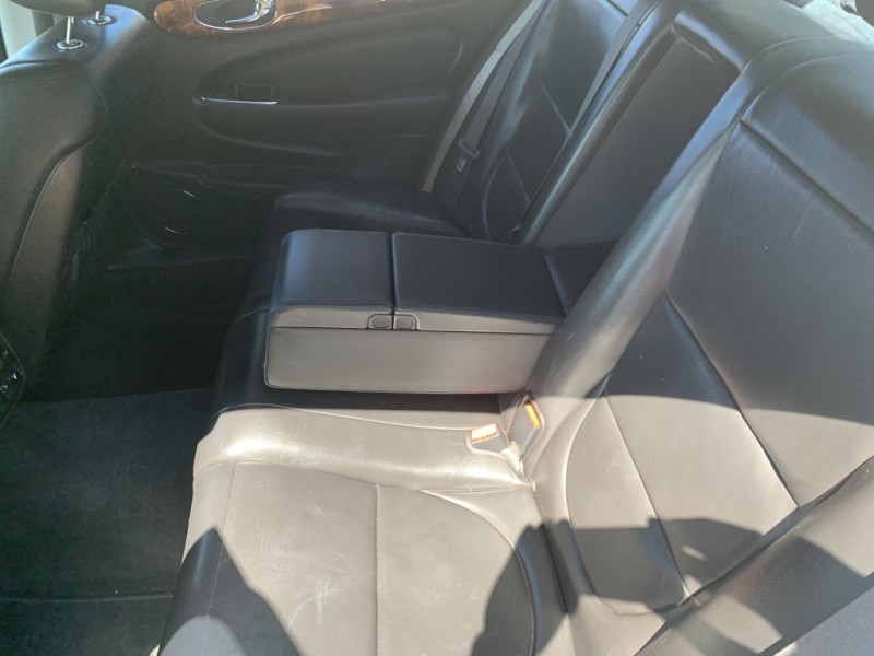 JAGUAR XJ8 2005 price $5,800
