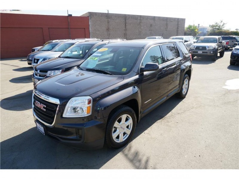 GMC Terrain 2016 price $16,999