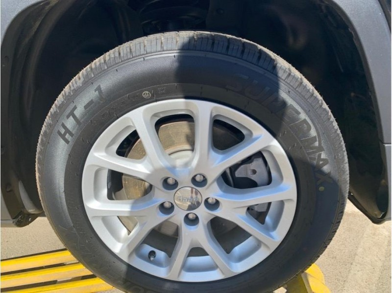 Jeep Cherokee 2018 price $16,999
