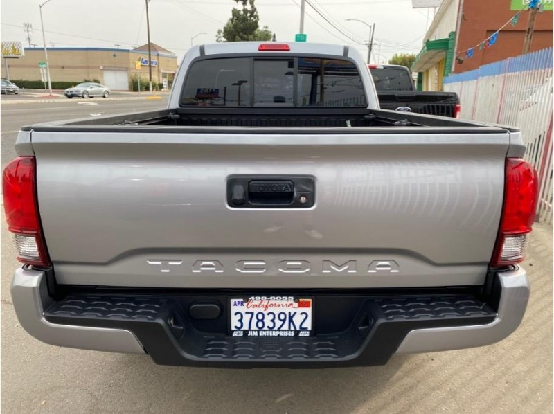 Toyota Tacoma 2018 price $25,999