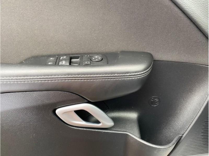 Dodge Challenger 2015 price $18,999