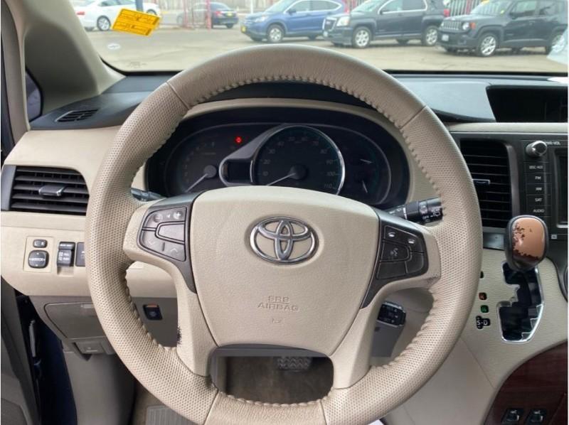 Toyota Sienna 2013 price $14,999
