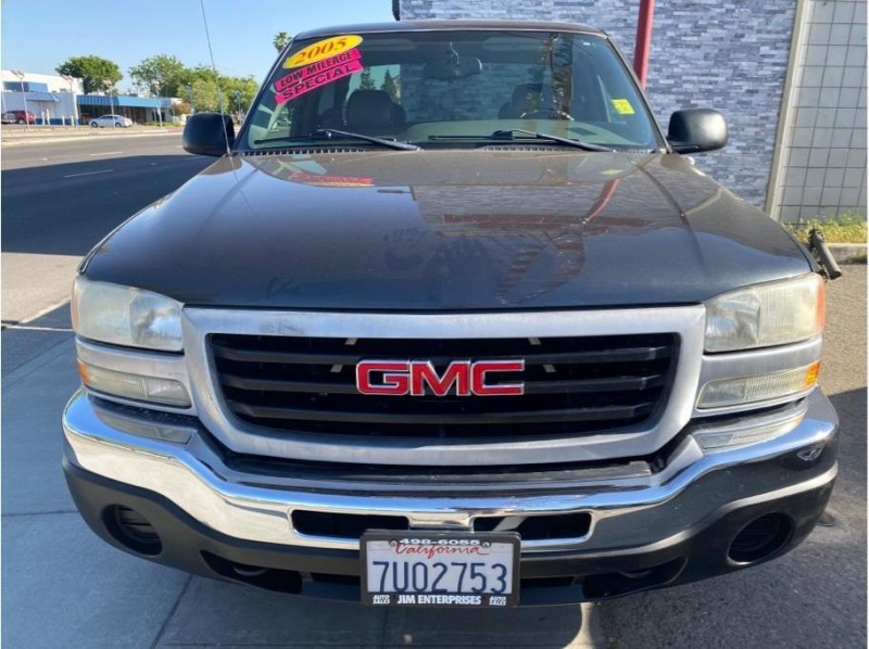GMC Sierra 1500 2005 price $8,999