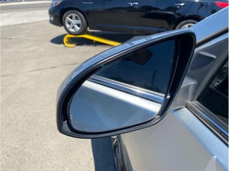 Toyota Camry 2017 price $17,950