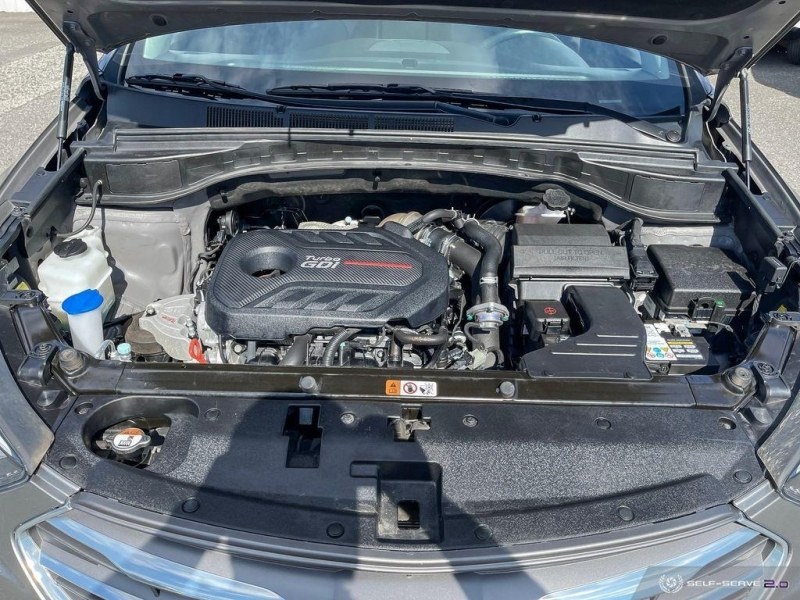 Hyundai Santa Fe 2018 price $31,999