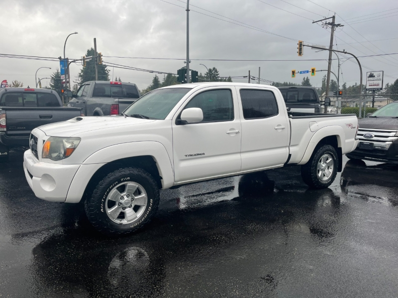 Toyota Tacoma 2011 price $33,999