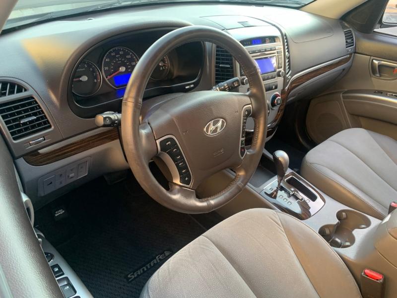 Hyundai Santa Fe 2012 price $8,799
