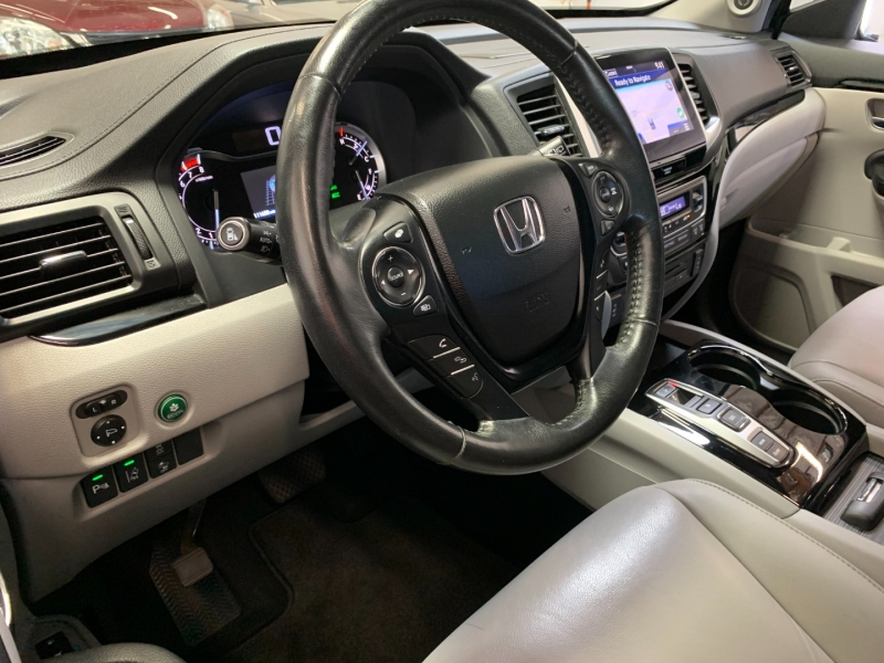 Honda Pilot 2016 price $16,999