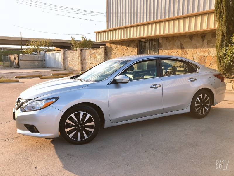 Nissan Altima 2018 price $13,999