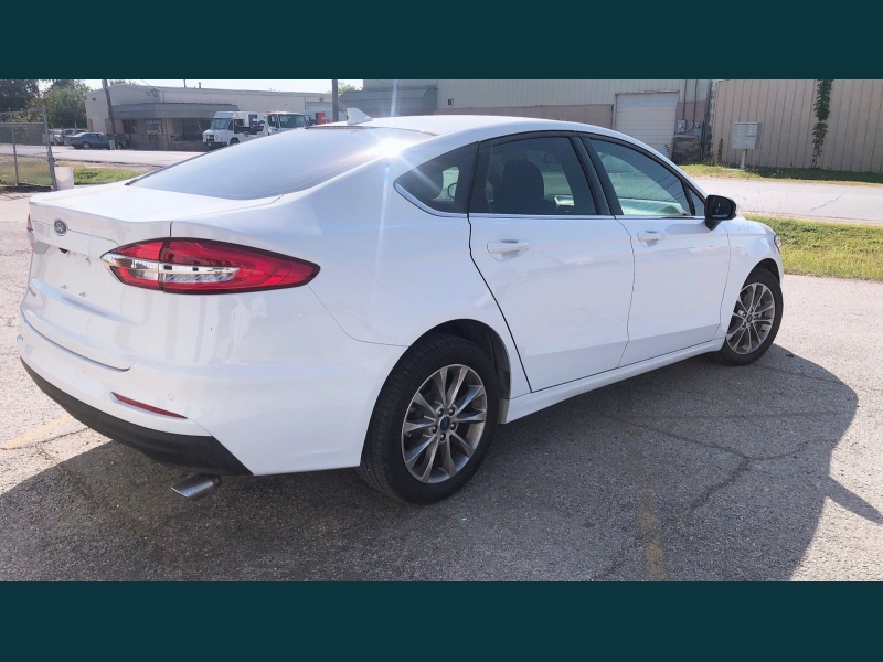 Ford Fusion 2019 price $13,999