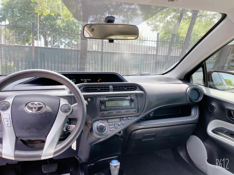 Toyota Prius c 2014 price $10,499