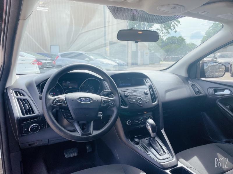 Ford Focus 2018 price $10,499