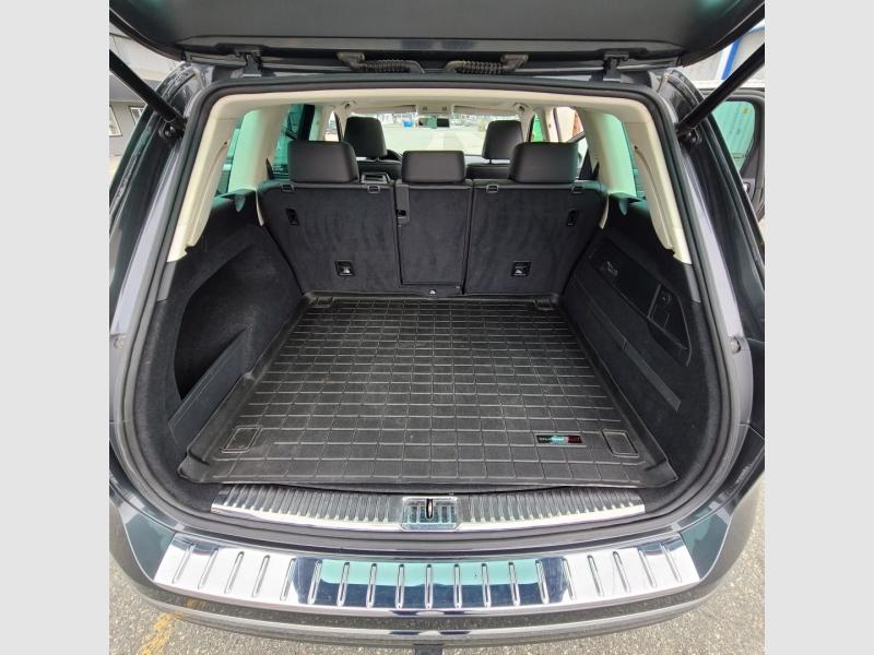 Volkswagen Touareg 2016 price $37,900