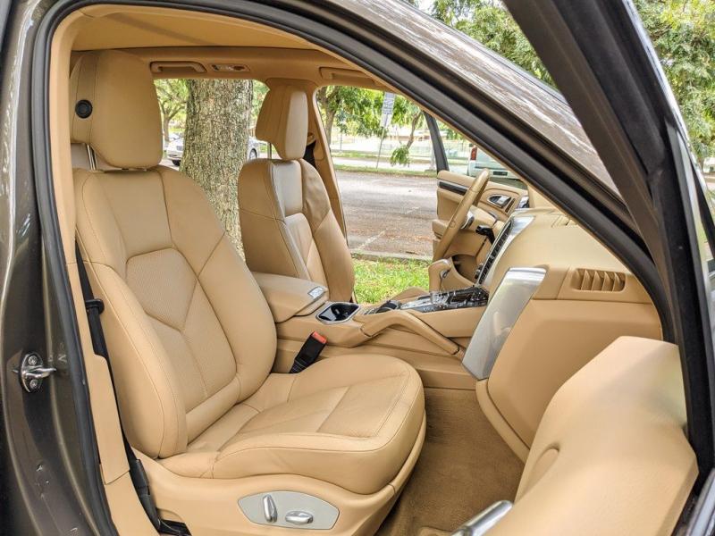 PORSCHE CAYENNE 2012 price $24,924