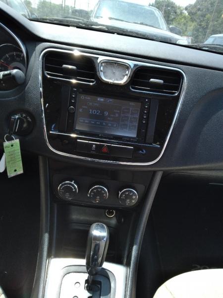Chrysler 200 2013 price $7,995