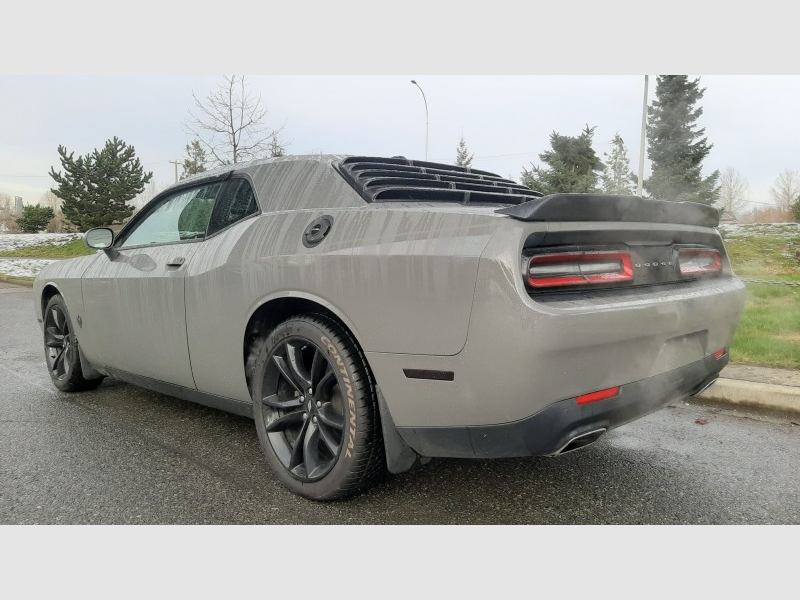 Dodge Challenger 2017 price $27,900
