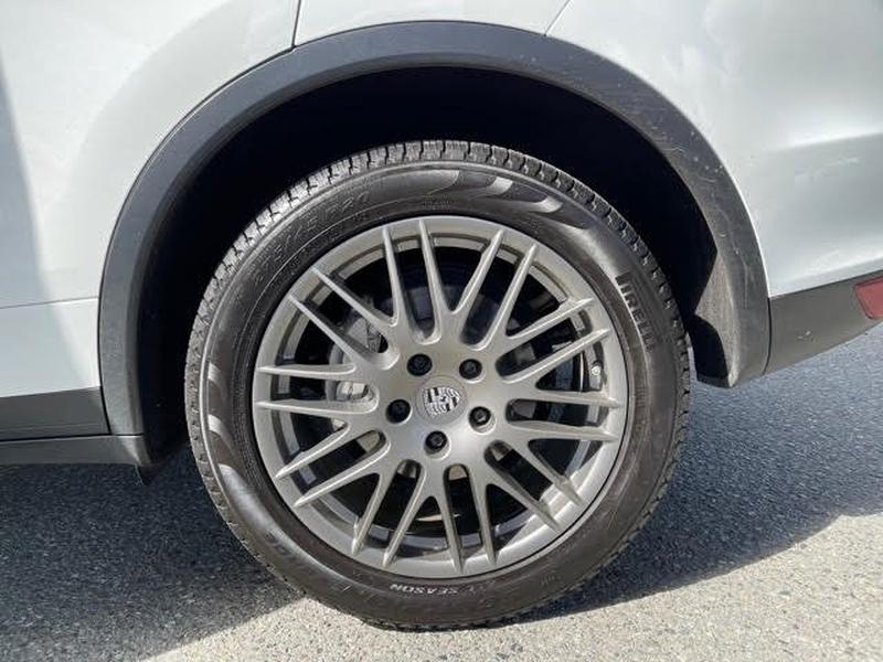 Porsche Cayenne 2014 price $37,899