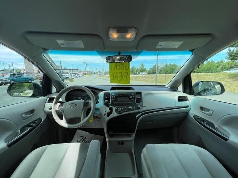 Toyota Sienna 2012 price $12,998