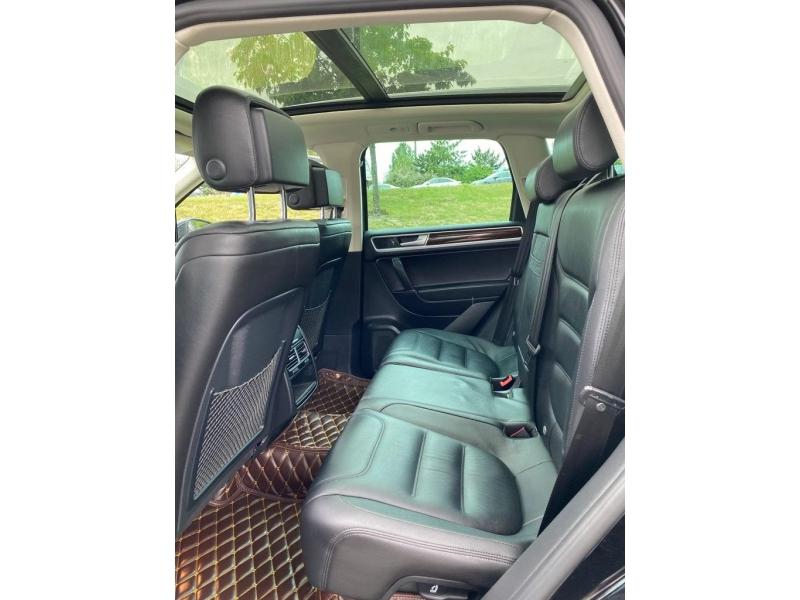 Volkswagen Touareg 2015 price $28,985