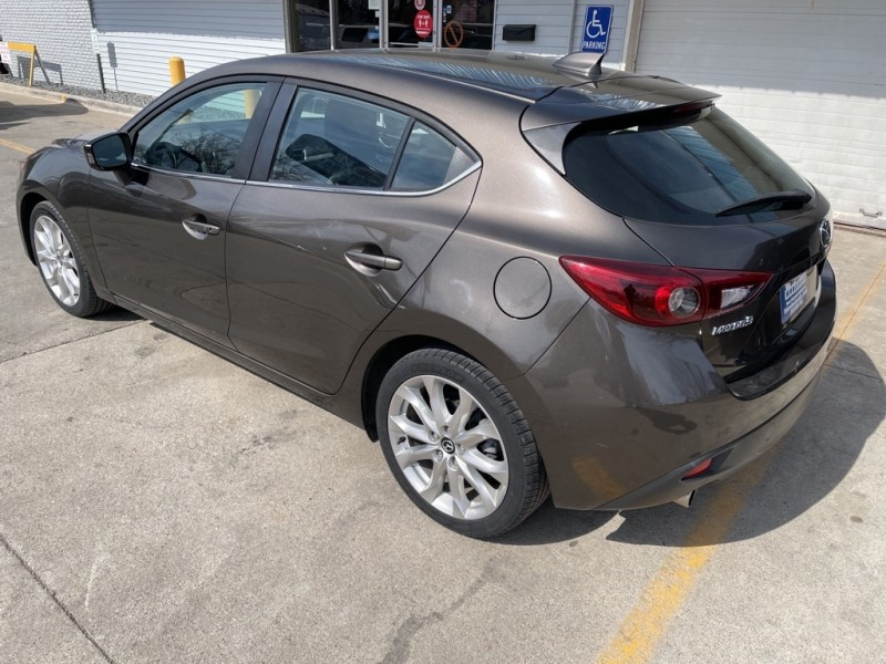 Mazda 3 2015 price $12,995