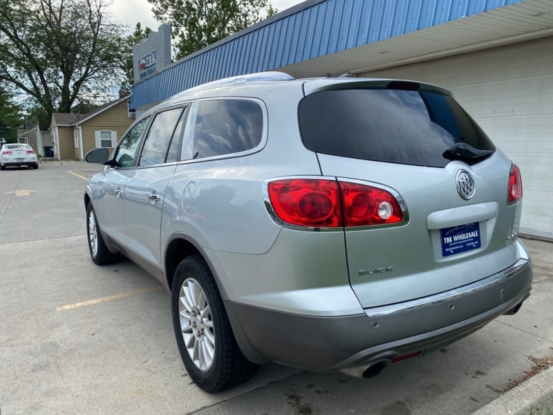 Buick ENCLAVE 2011 price $9,995
