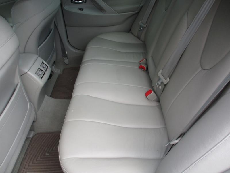 Toyota Camry Hybrid 2010 price $9,495