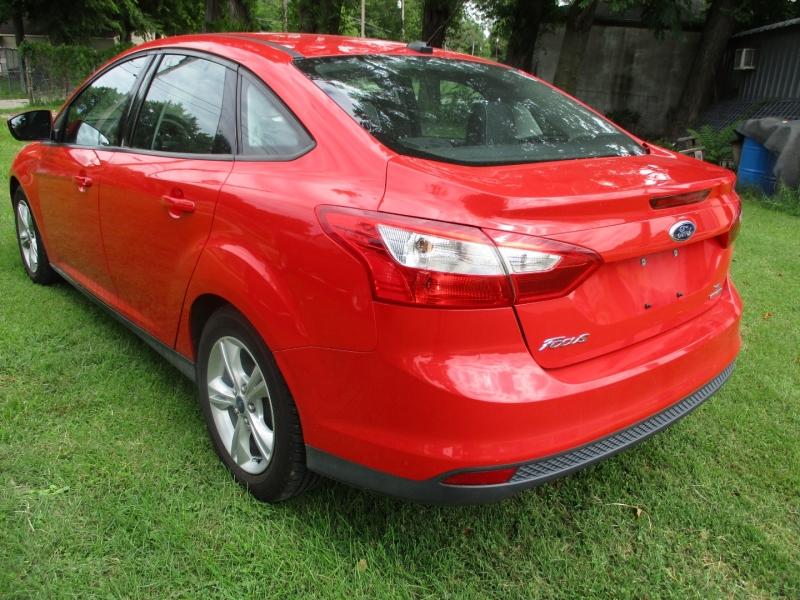 Ford Focus 2014 price $7,395