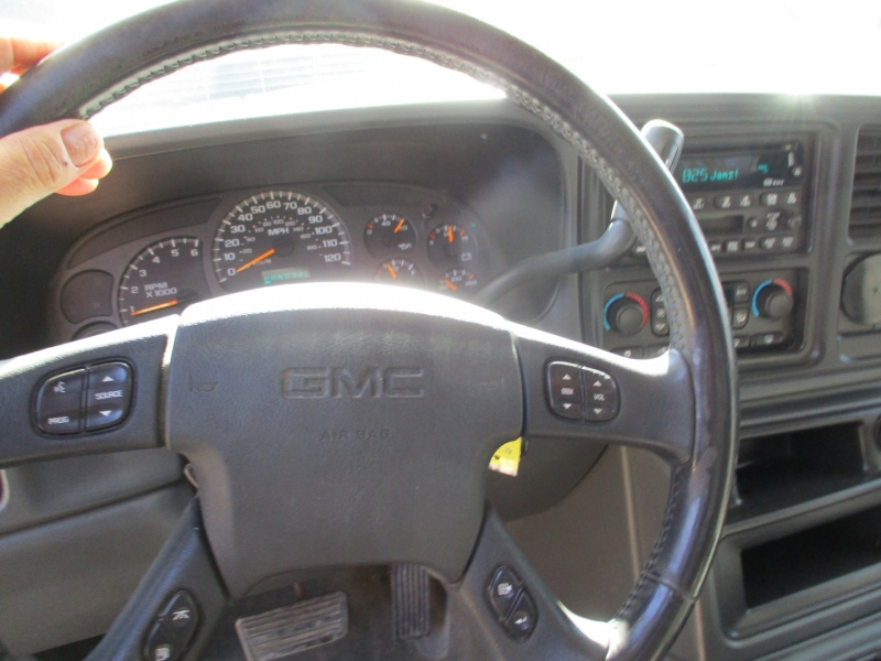 GMC Sierra 1500 2003 price $10,295