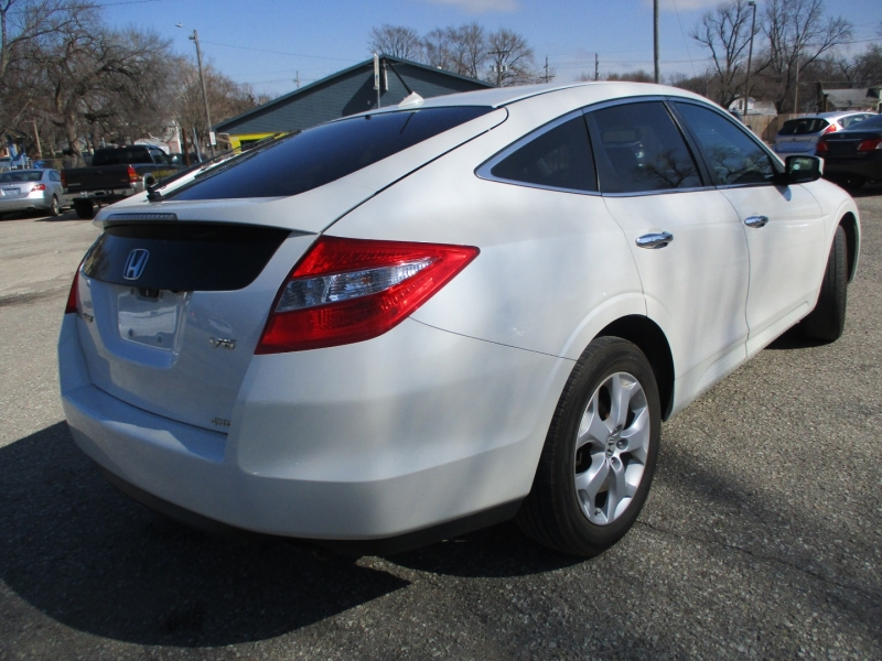 Honda Crosstour 2012 price $10,395