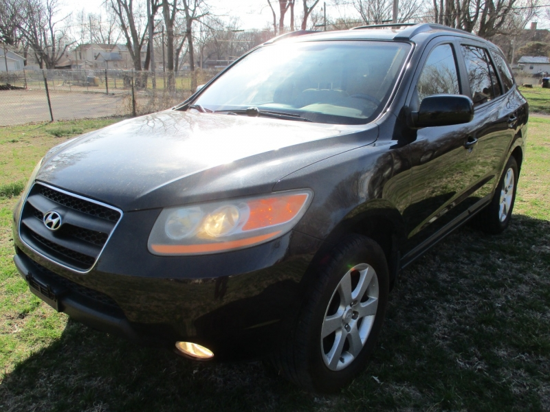 Hyundai Santa Fe 2009 price $9,295
