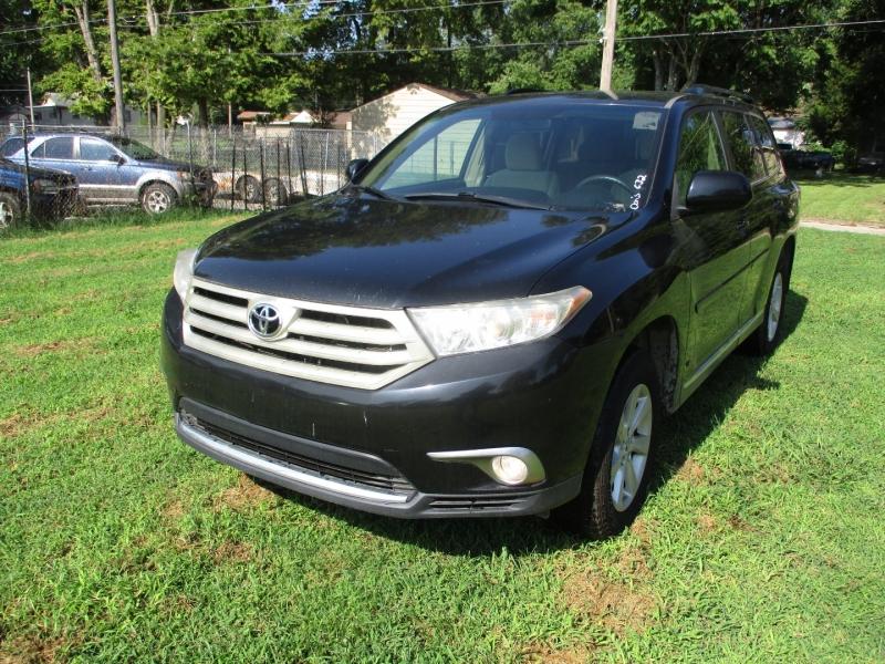 Toyota Highlander 2011 price $10,495