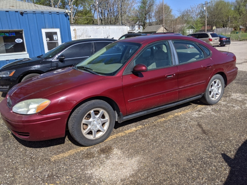 Ford Taurus 2006 price $4,795