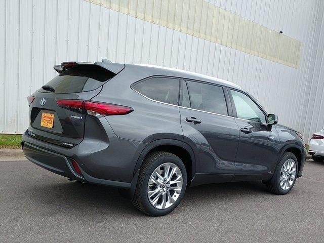 Toyota Highlander 2021 price $49,727
