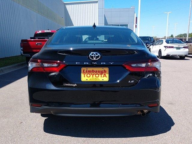 Toyota Camry 2021 price $22,354