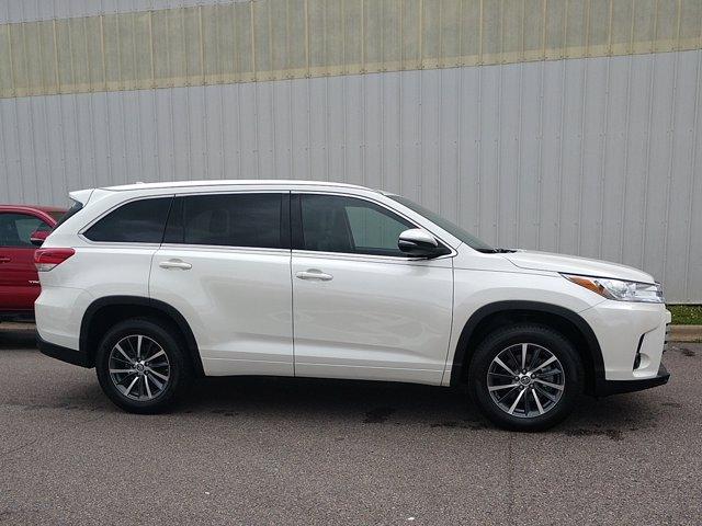 Toyota Highlander 2018 price $38,955