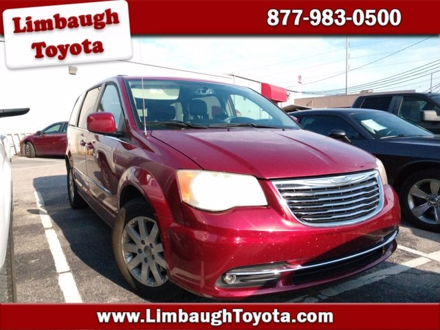 Chrysler Town & Country 2015 price $13,900