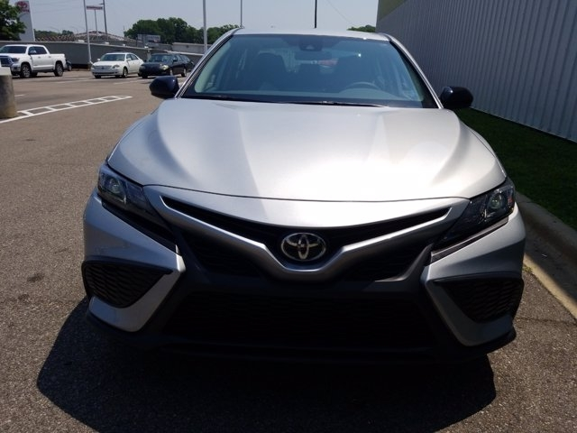 Toyota Camry 2021 price $29,467