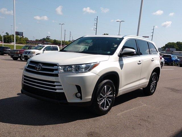 Toyota Highlander 2018 price $33,450