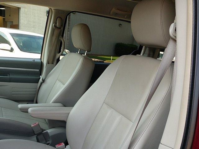 Dodge Grand Caravan 2009 price $7,450