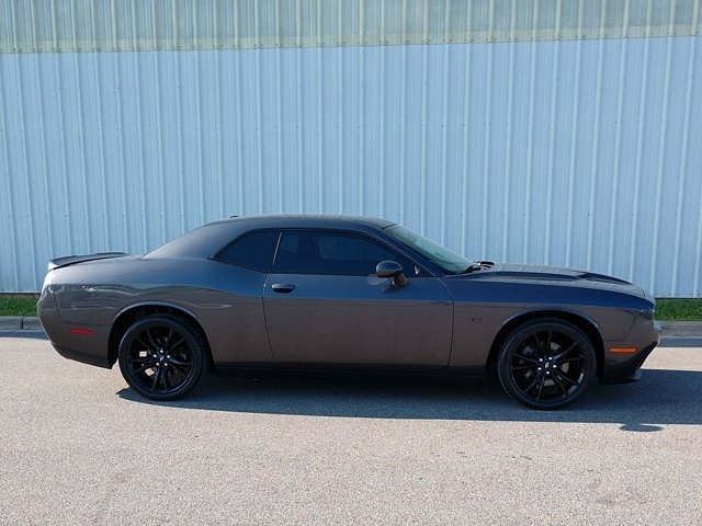Dodge Challenger 2017 price $29,650