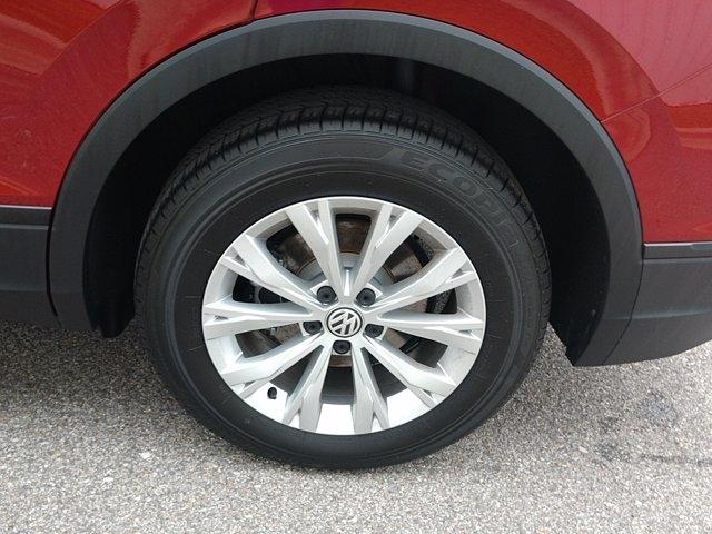 Volkswagen Tiguan 2019 price $25,665