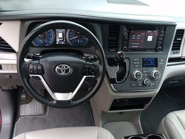 Toyota Sienna 2019 price $34,695