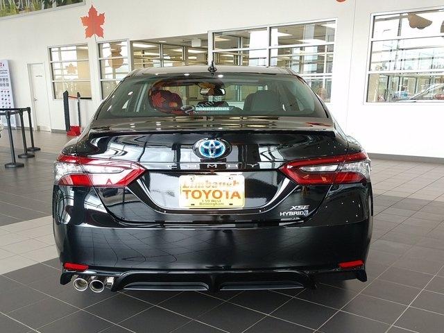 Toyota Camry 2022 price $35,960