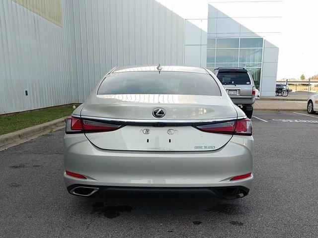 Lexus ES 2019 price $39,657